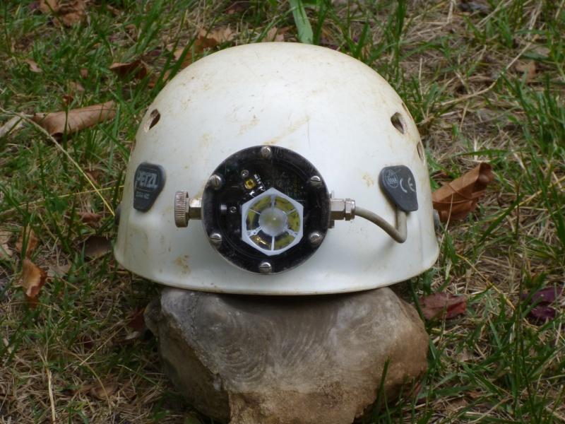 Spéléo : éclairage externe et fixation casque P1000912