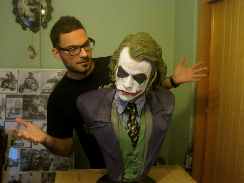 Joker Lifesize Bust - Hollywood Collectibles group Img_9510