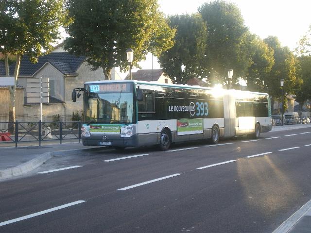 Restructuration du réseau bus de Créteil (10 Septembre 2011 / 08 Octobre 2011) - Page 3 Imgp1116