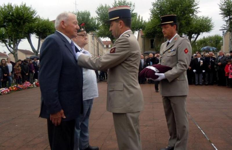 8ème RPIMa Charles Psarski Médaille Militaire à Cahors 2012_020