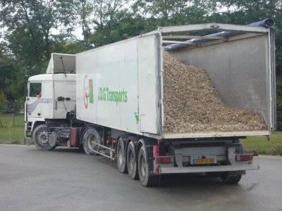 voila mon camion et ceux de ma boite  27182910