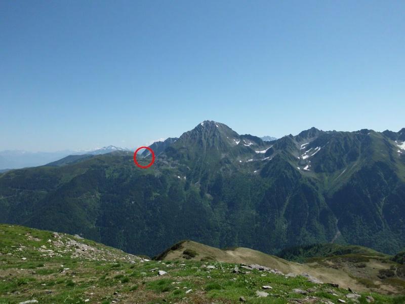 ????: le 16/06 - image fixe - sphéroïde apparemment en vol - Les Plagnes (Savoie)  Sans_t12