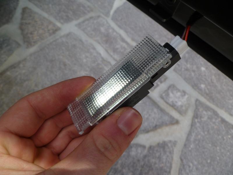 Luci di posizione anteriori, a LED, ATTENZIONE: - Pagina 3 00310