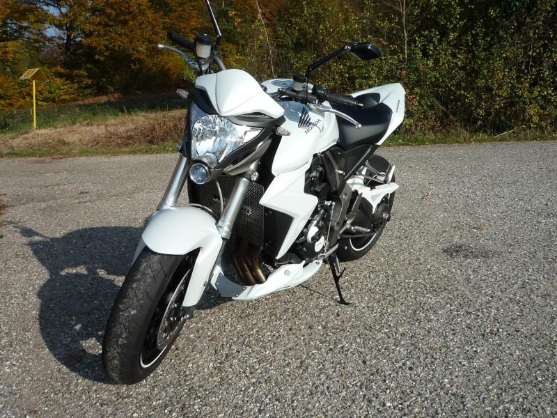 HONDA CB1000R blanche P1000112