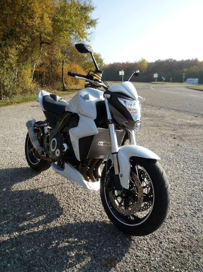 HONDA CB1000R blanche P1000113