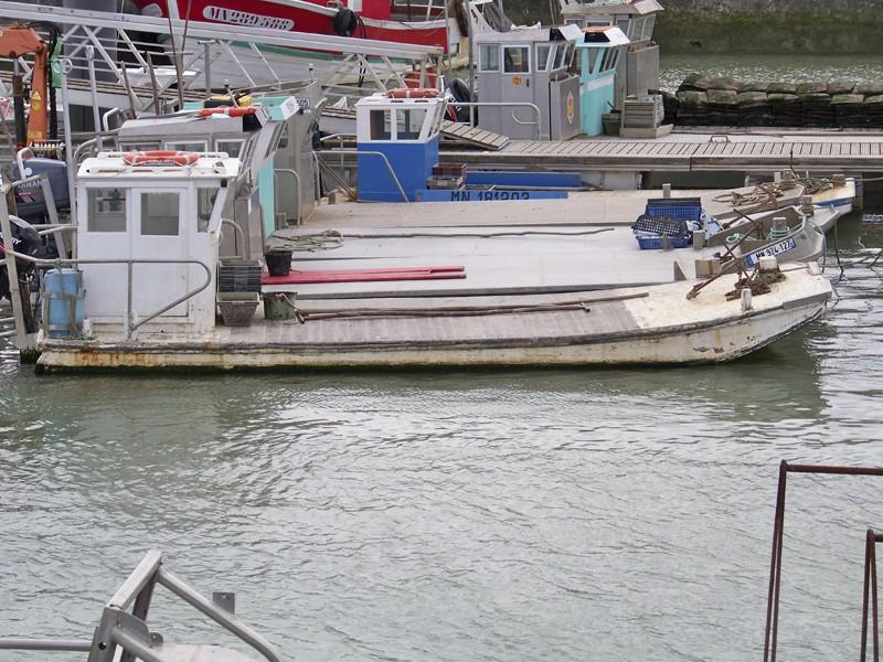 TUGDUAL Barge Ostreïcole sur plan RC Marine au 1/10 ° - Page 4 Barges11