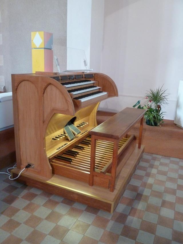 Création d'une console d'orgue virtuel (màj 24/01/2012) - Page 4 P1020811
