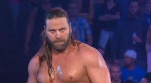 Wade Barrett VS James Storm. J_s_b_10