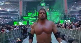 Normal Match : Undertaker vs Triple H T_h_3_10