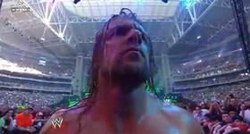 Normal Match : Undertaker vs Triple H T_h_4_10