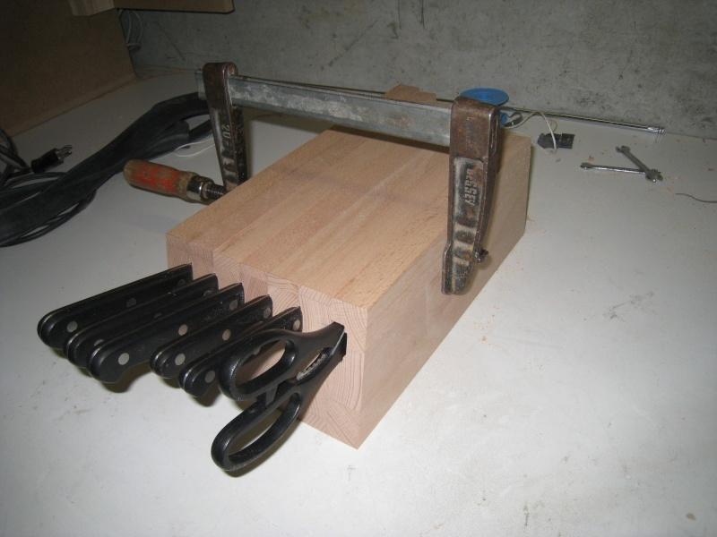 Bloc en bois pour couteaux Img_8614