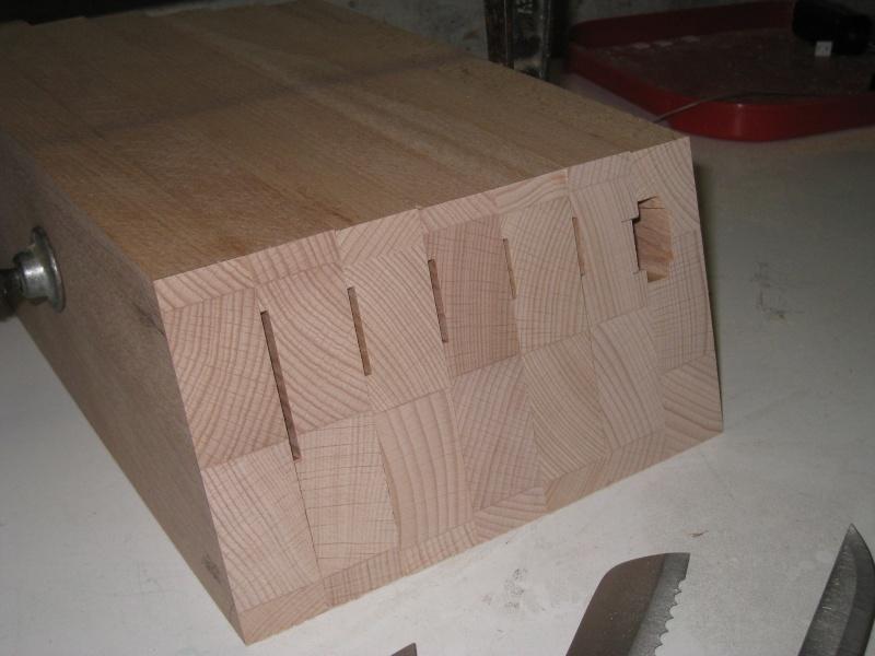 Bloc en bois pour couteaux Img_8615