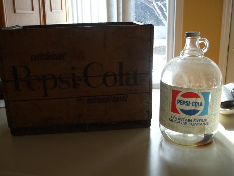 2 Cruches Pepsi avec caisse en bois   Dscf1314
