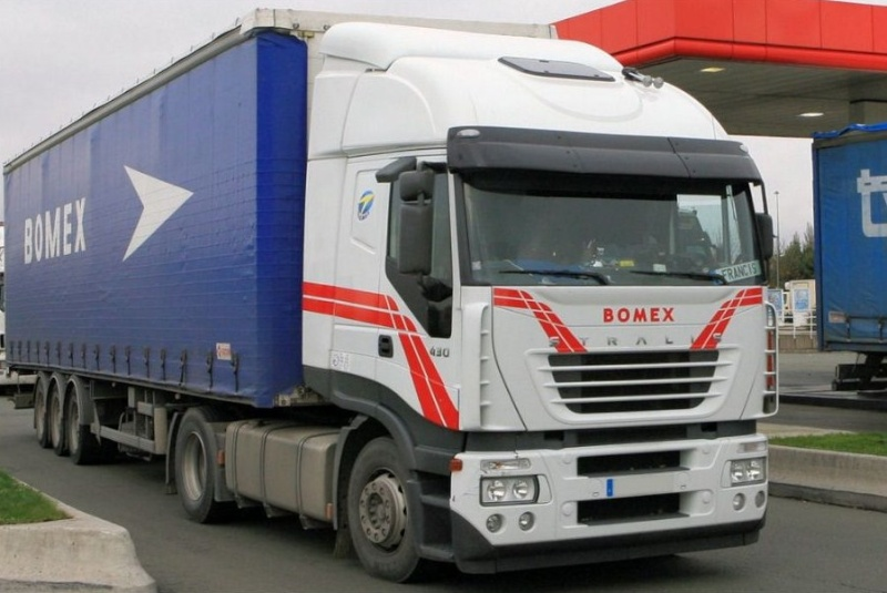 Bomex (Saint Gérèon) (44) (groupe TMG Transports Marcel Garnier) Iveco_17