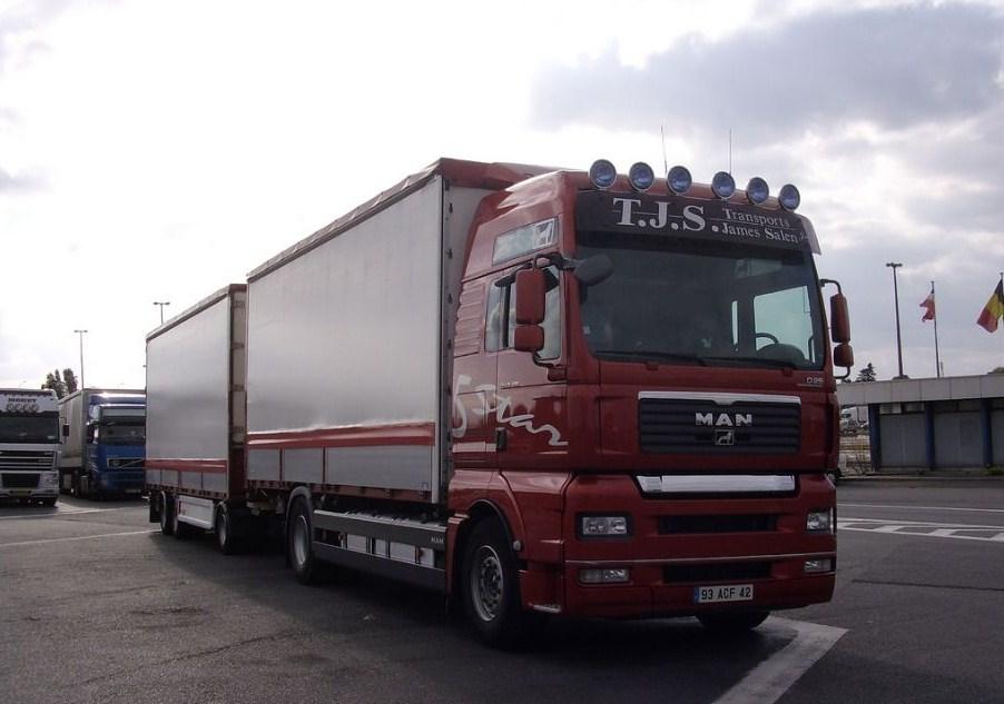 TJS Transports James Salen (Saint andré le Puy 42) Man_t411