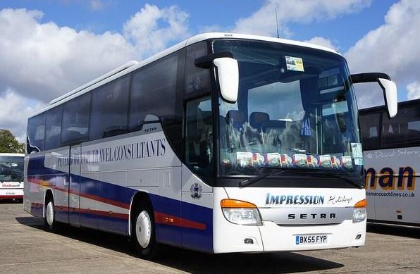 Cars et Bus du Royaume Uni - Page 2 Setra_10