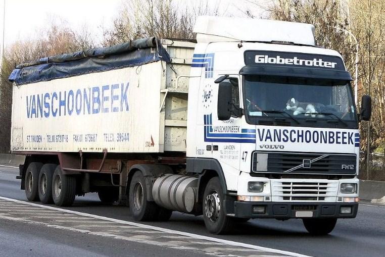 Vanschoonbeek (Sint Truiden) Volvo156