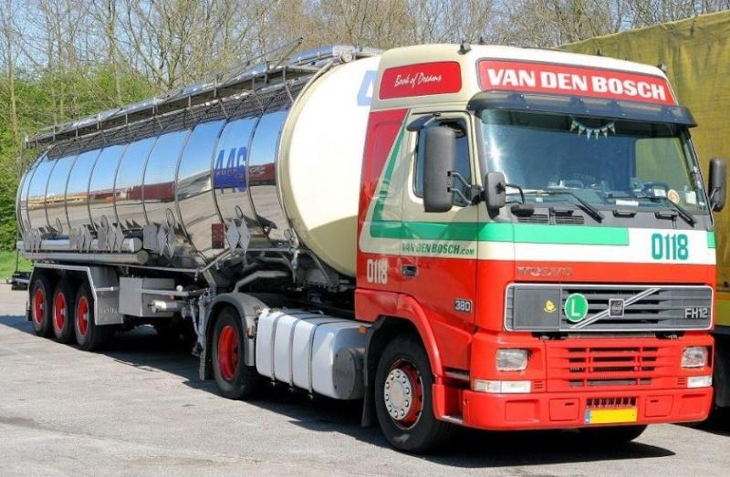 Van Den Bosch (Erp) Volvo172