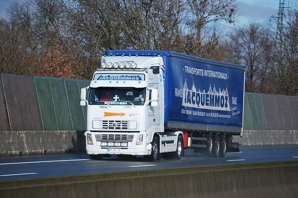 Jacquemmoz.(Modane, 73) Volvo177