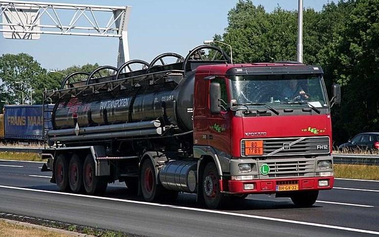 Van der.LEE (Delft) (groupe Vervaeke) Volvo273