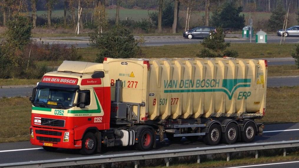 Van Den Bosch (Erp) Volvo561