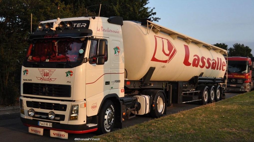 Lassalle (Varennes sur Allier 03) Volvo628