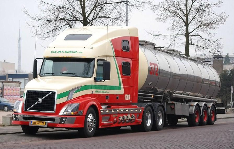 Van Den Bosch (Erp) Volvo676