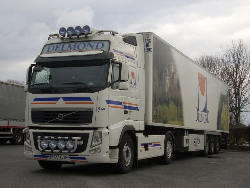 Delmond (Vézac, 24) Volvo679