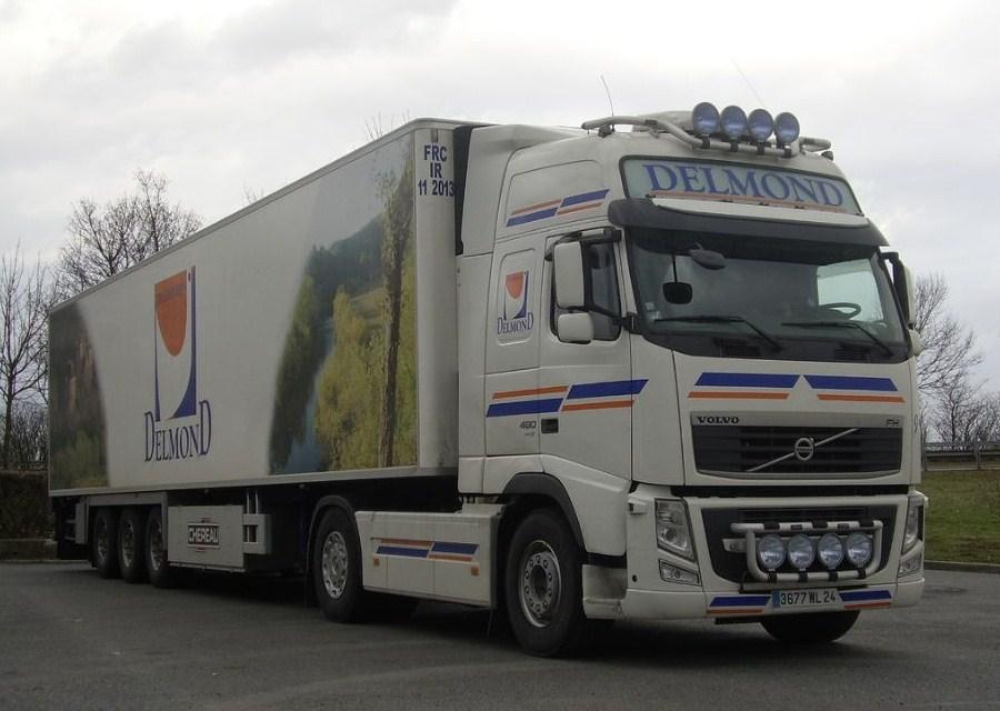 Delmond (Vézac, 24) Volvo680