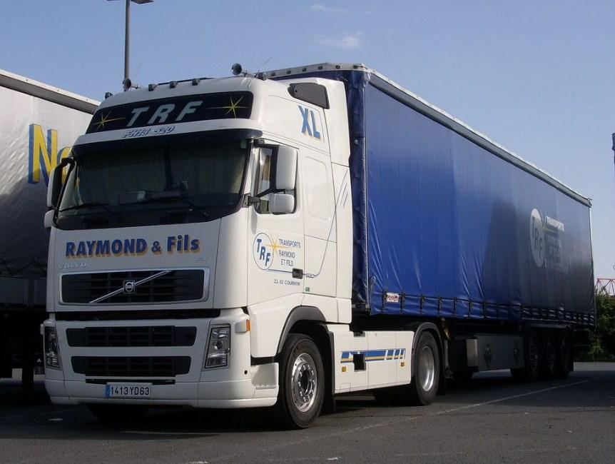 Transports Raymond & Fils (Cournon 63) - Page 2 Volvo686