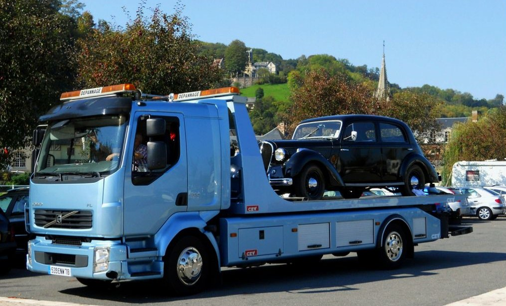 Les dépanneurs pour véhicules léger - Page 3 Volvo892