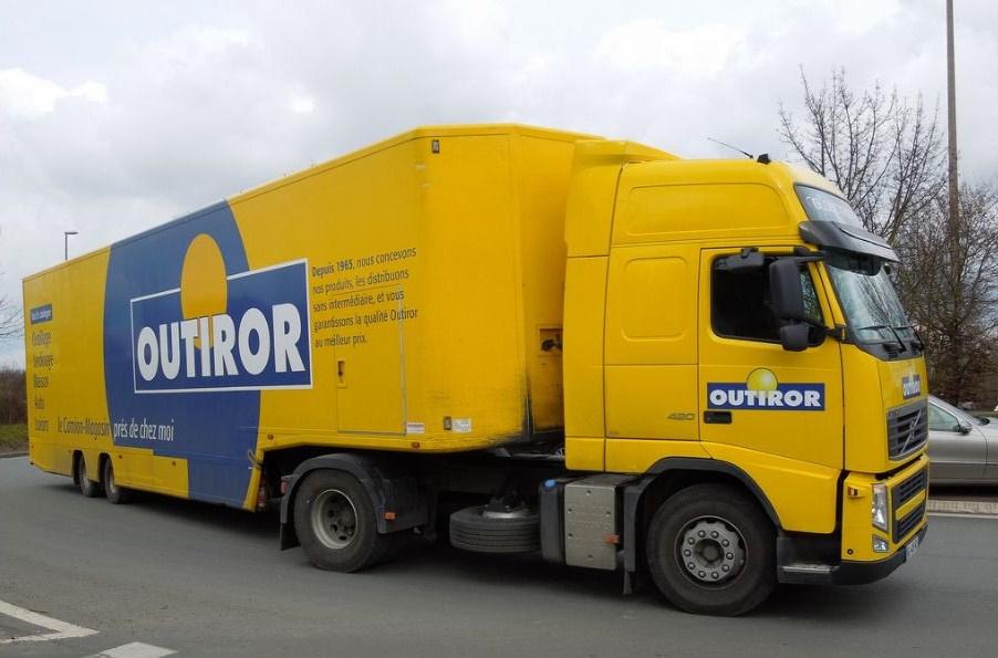 Les camions magasins (Pizza, marchés, etc etc) Volvo896