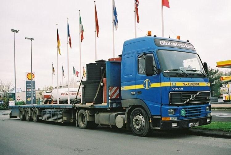Legendre (La Bazoche-Gouet, 28) Volvo_82