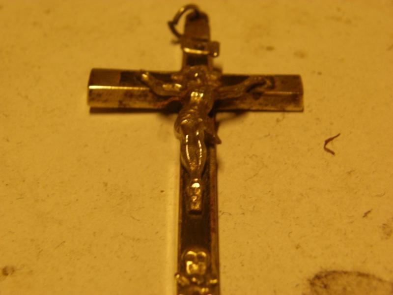 Ben je collectionne aussi les crucifix Pb012610