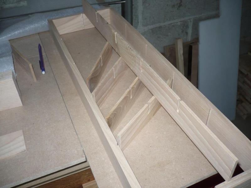 fabrication d'une boite à bijoux hors normes - Page 2 P1030356