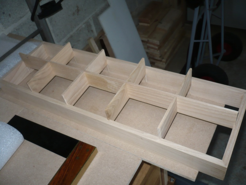 fabrication d'une boite à bijoux hors normes - Page 2 P1030357