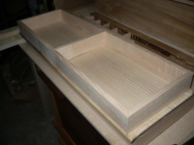 fabrication d'une boite à bijoux hors normes - Page 2 P1030360