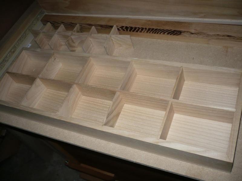 fabrication d'une boite à bijoux hors normes - Page 2 P1030362