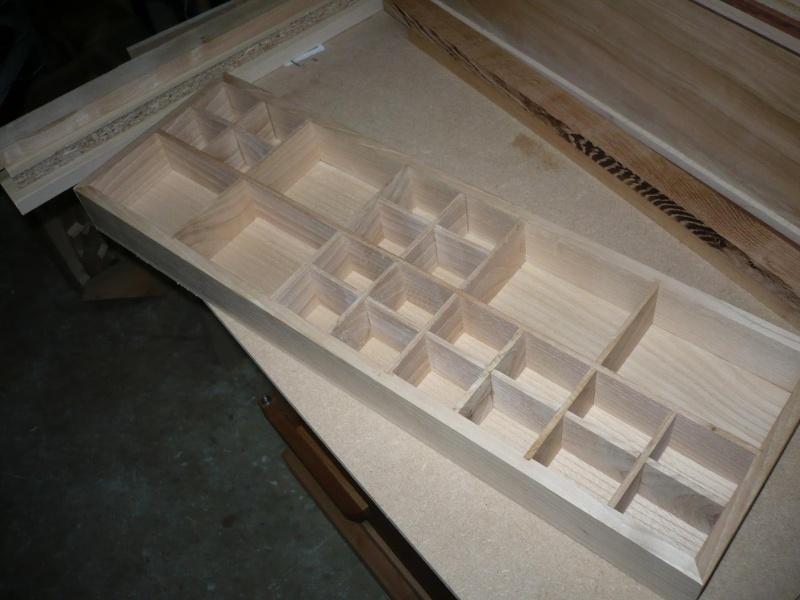fabrication d'une boite à bijoux hors normes - Page 2 P1030363