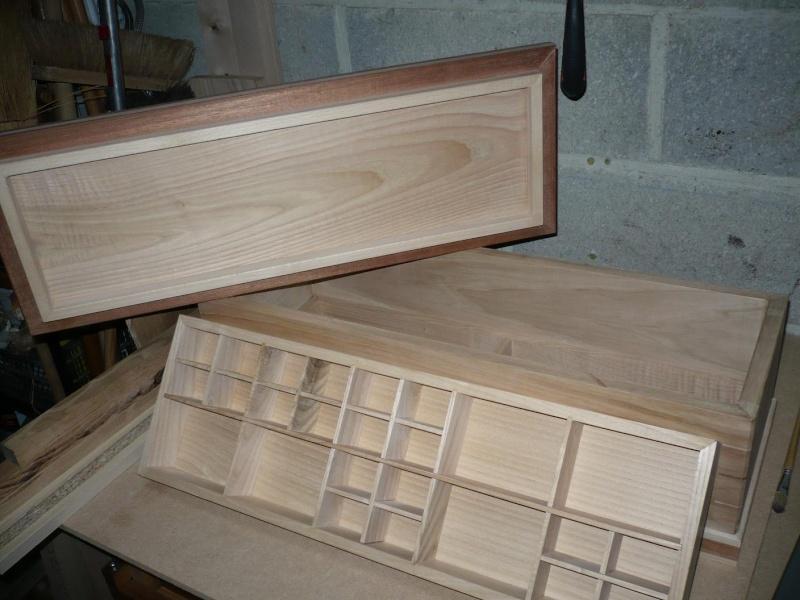 fabrication d'une boite à bijoux hors normes - Page 2 P1030364