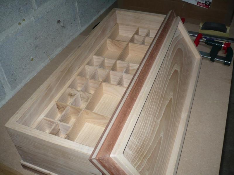 fabrication d'une boite à bijoux hors normes - Page 2 P1030366