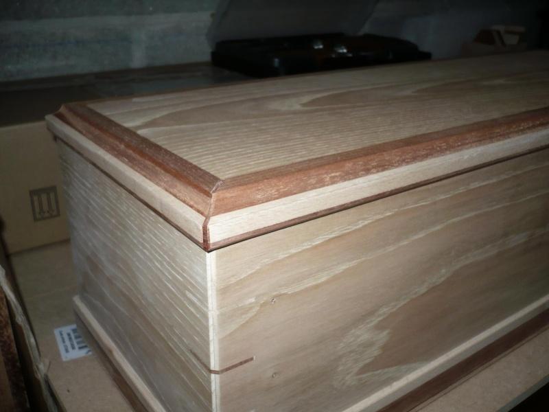 fabrication d'une boite à bijoux hors normes - Page 3 P1030415