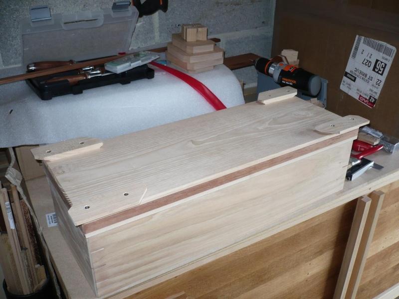 fabrication d'une boite à bijoux hors normes - Page 3 P1030420