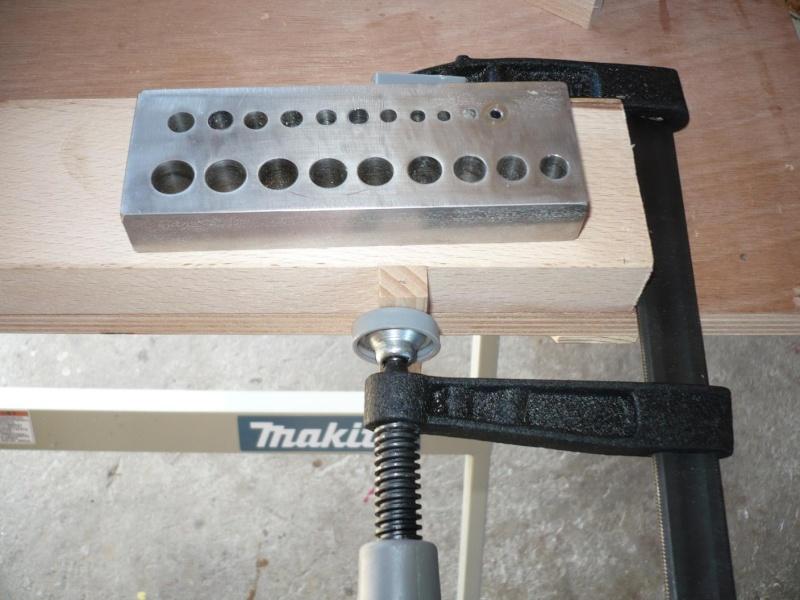 fabrication d'une boite à bijoux hors normes - Page 4 P1030440