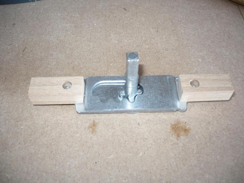 fabrication d'une boite à bijoux hors normes - Page 4 P1030442