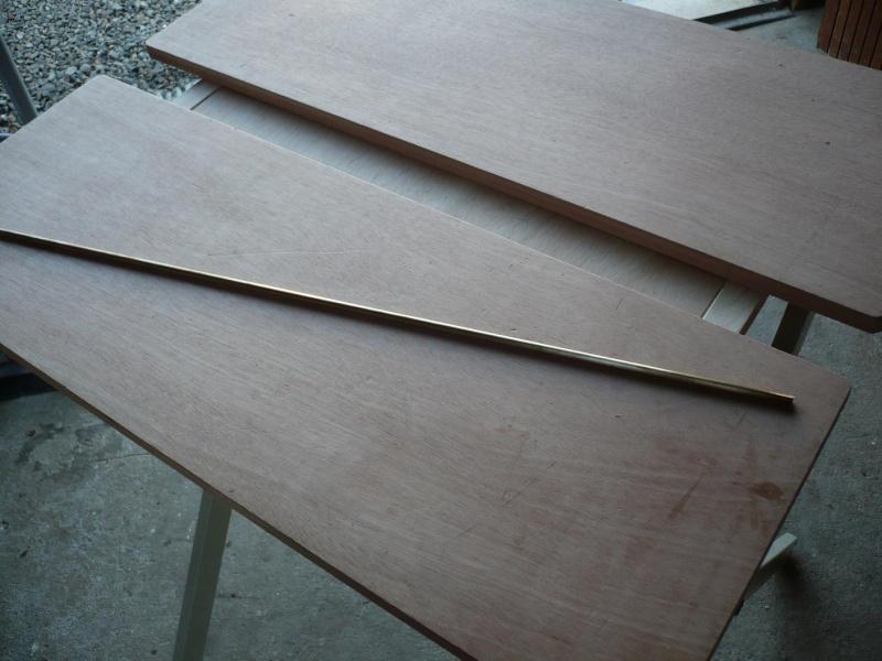 fabrication d'une boite à bijoux hors normes - Page 4 P1030443