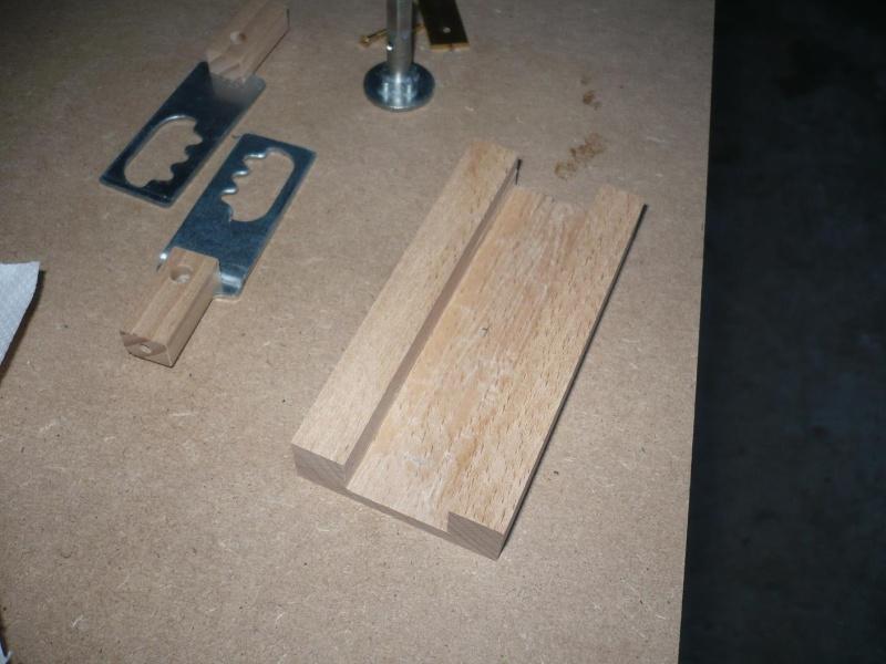fabrication d'une boite à bijoux hors normes - Page 4 P1030445
