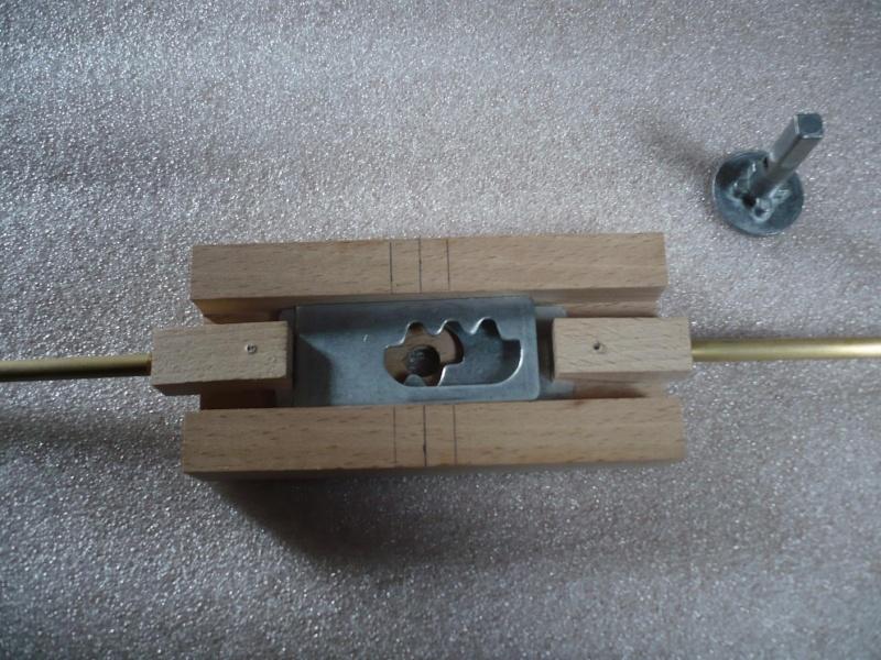 fabrication d'une boite à bijoux hors normes - Page 4 P1030510