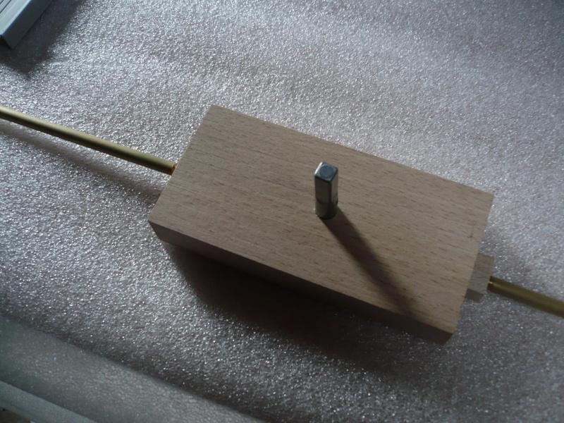 fabrication d'une boite à bijoux hors normes - Page 4 P1030511