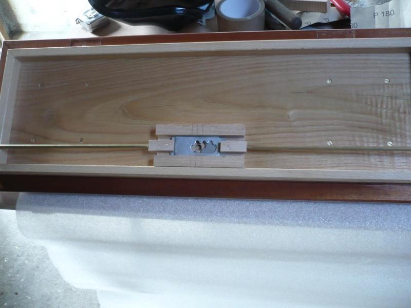 fabrication d'une boite à bijoux hors normes - Page 4 P1030512